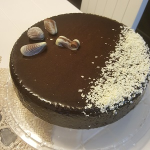 עוגת קקאו רכה אוורירית מענגת ומחייכת